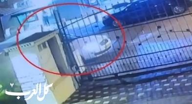 فيديو يوثّق قيام مجهولين بسرقة سيارة من ديرحنا