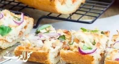 بيتزا الدجاج بالخبز الفرنسي.. صحة وهنا
