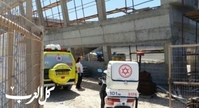 رحوفوت: إصابة عامل إثر سقوطه في ورشة بناء