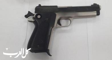 شفاعمرو: اعتقال مشتبه (57 عامًا) بعد ضبط مسدس