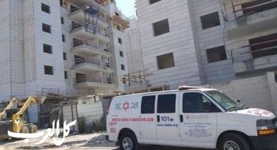 بات يام: اصابة عامل بجراح خلال عمله في ورشة بناء