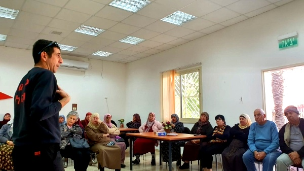 أبو سنان: الإطفاء والإنقاذ بمحاضرة في نادي المسنين