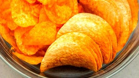 عدم تناول رقائق البطاطس اثناء الحمل
