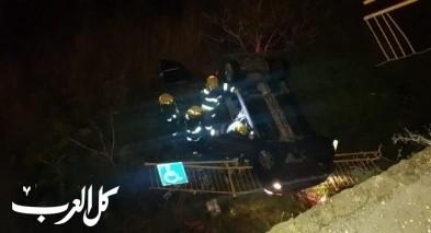 نيشر: انقاذ مواطن سقطت سيارته للهاوية