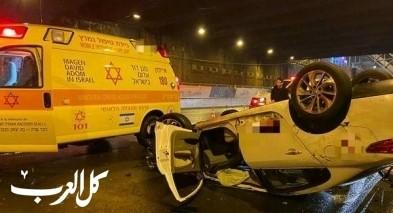 تل أبيب: مصرع رجل بعد إنقلاب سيارته تحت جسر