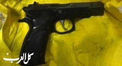 اتّهام رجل (40 عامًا) من الناصرة بحيازة مسدس