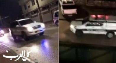 قافلات من دوريات الشرطة تجولت داخل احياء في الطيبة وباقة وجت وسط استنكار شديد