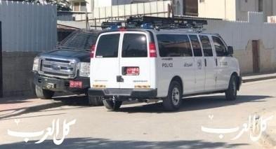 عرعرة النقب: اعتقال شاب (23 عامًا) بتهديد مدير مدرسة