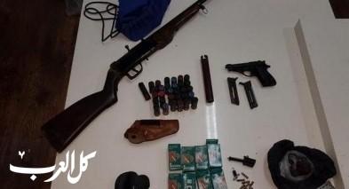 السموع:اعتقال مشتبه بعد ضبط بندقية صيد ومسدس وذخيرة