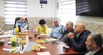 لقاء عمل بين الشرطة ومدراء قسم الديانات