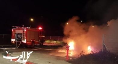اندلاع النيران بموقف سيارات قرب مفرق احيهود