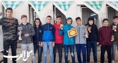 مجد الكروم: اعدادية درويش تكرم طلابها الابطال