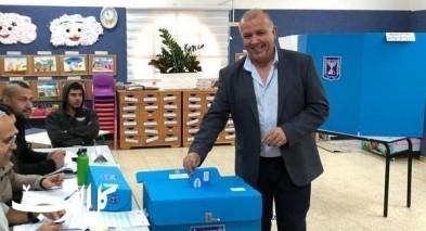 زيمر: تميم ياسين يدلي بصوته ويدعو للتصويت
