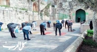 سكان البلدة القديمة في القدس يكبرون من على الاسطح
