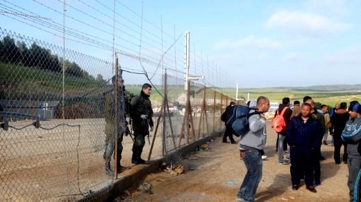 السلطة الفلسطينية تطالب جميع العمال بالعودة الى بيوتهم