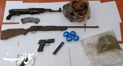 اللد: اعتقال 8 مشتبهين بعد ضبط سلاح وذخيرة ومخدرات