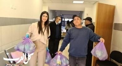 بستان المرج: توزيع مئات الطرود الغذائية على المسنين