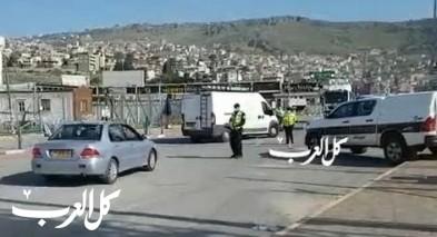 الشرطة تنصب حاجز على مفرق دير الأسد