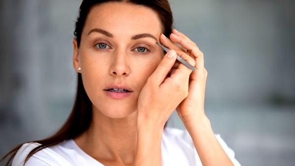 طرق ازالة شعر الوجه الزائد بنفسكِ أثناء الحجر المنزلي
