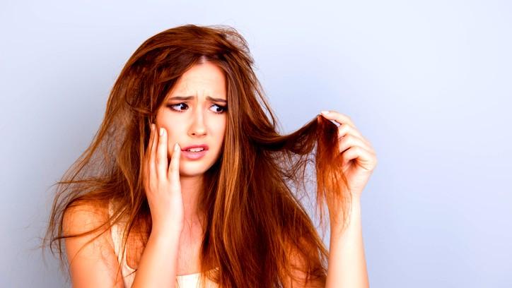 وصفات طبيعية لمحاربة مشاكل الشعر الجاف