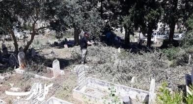 ديرحنا: أعمال تنظيف وتطوع بالمقبرة