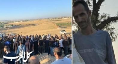 أم بطين: إطلاق سراح خمسة معتقلين من المحتجين