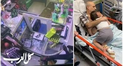 بالفيديو| هكذا قام اب بمحاولة انقاذ طفله من الموت