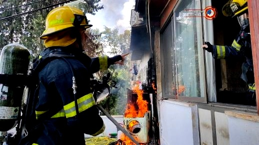 شعب: اصابة 3 أشخاص جراء استنشاق الدخان اثر حريق بمنزل