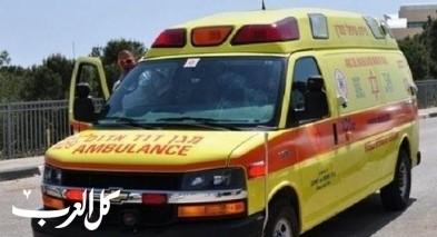 هرتسليا: اصابة عامل اثر سقوط جسم ثقيل عليه