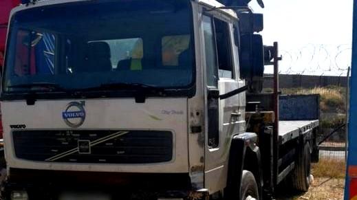 الضفة  استدعاء قاصر للمحكمة بعد ضبطه يقود شاحنة!