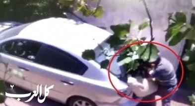 توثيق: رجل خمسيني من المقيبلة يسرق خرفانًا!