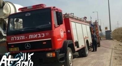 إندلاع النيران بعدد من الشاحنات في الرملة