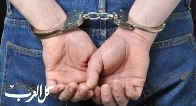 القدس: اعتقال مشتبه بسرقة امرأة (80 عاما)
