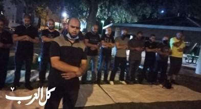 شبان من يافا يتظاهرون امام بيت رئيس بلدية تل ابيب