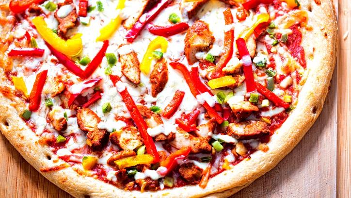 بيتزا فاهيتا الدجاج.. صحتين وهنا