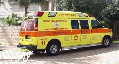 حيفا: إصابة عامل إثر سقوط جسم ثقيل عليه