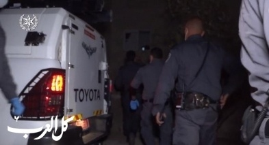 اعتقال مشتبهين بتهريب سيارات مسروقة