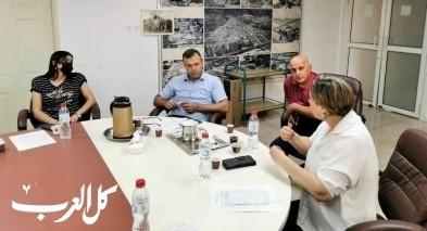 نحف: جلسة عمل بين ادارة المجلس ومفتّشي المعارف