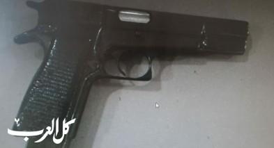الضفة: اعتقال مشتبه ومشتبهة بعد ضبط مسدس