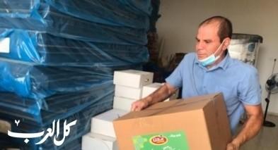 مجلس كفرقرع يبدأ بتوزيع طرود غذائية