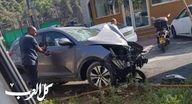 عيلوط: إصابة شاب إثر اصطدام سيارة بعمود