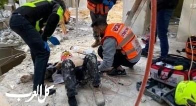 اصابة شاب بجراح متوسطة خلال عمله في حتسور