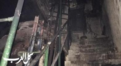 عكا القديمة| اندلاع حريق في بناية مخازن وشقق سكنية