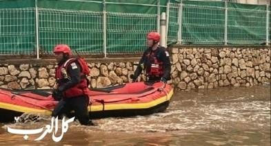 منطقة الساحل| طواقم الاطفاء والانقاذ تعمل على تخليص عالقين