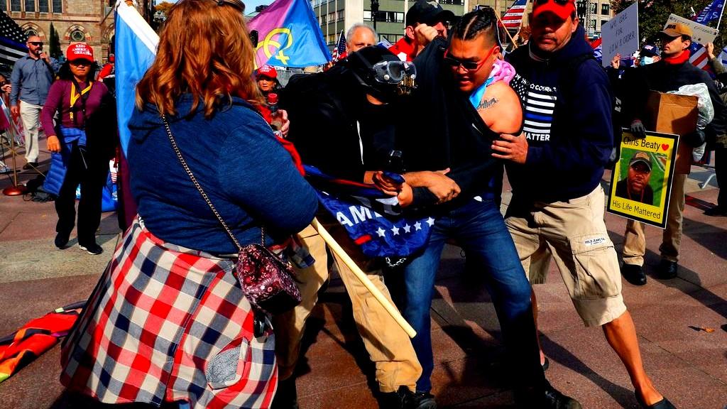 تظاهرات مضادة تجتاح أميركا