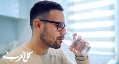 أضرار شرب الماء قبل وبعد تناول الأكل!