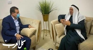 النائب عودة يجتمع مع الشيخ أبو دعابس