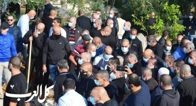 يافا: جماهير غفيرة شاركت بجنازة الصحفي خميس ابو العافية