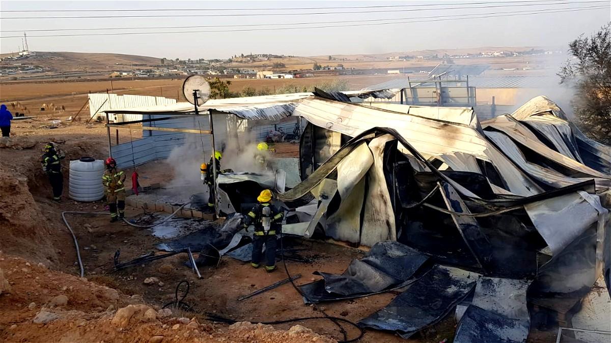 اندلاع حريق في مبنى ببلدة أبو تلول - النقب