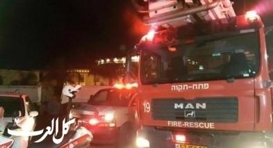 كفرمندا: إندلاع حريق بمحل لمواد البناء